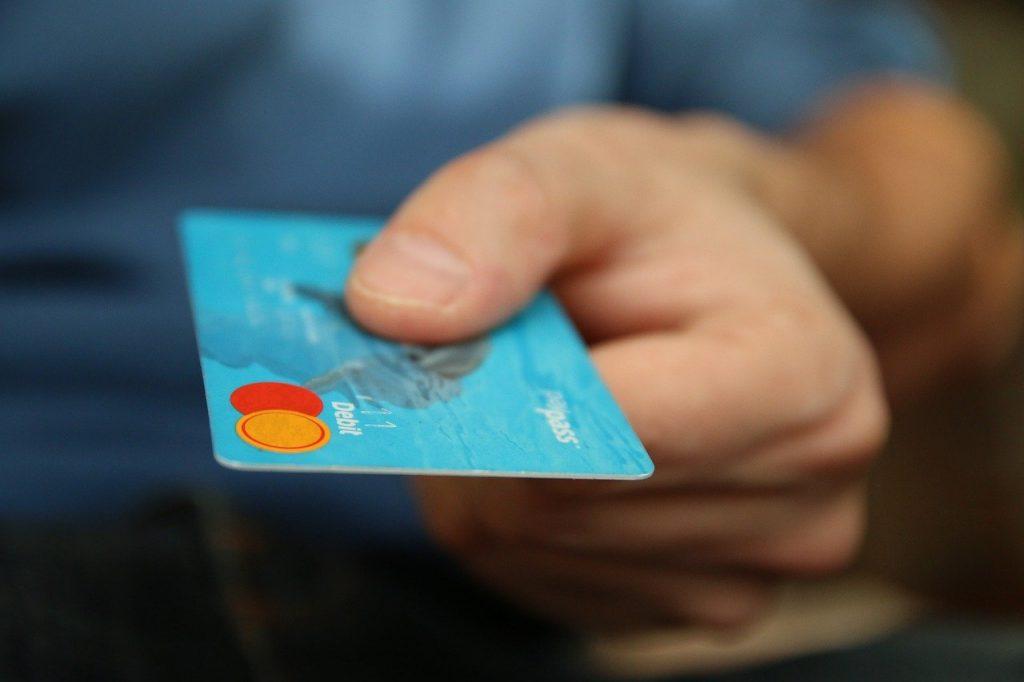 クレジットカード1枚分のプラスチックを体内に取り込んでいる